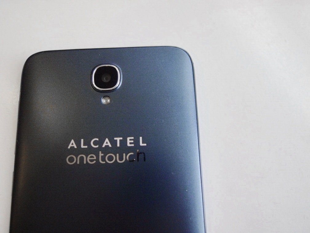 Fotografija Alcatel One Touch Idol 2 Dual SIM recenzija 15